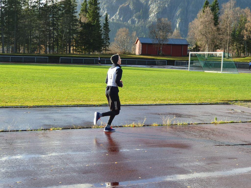 Christian løper for veldedighet