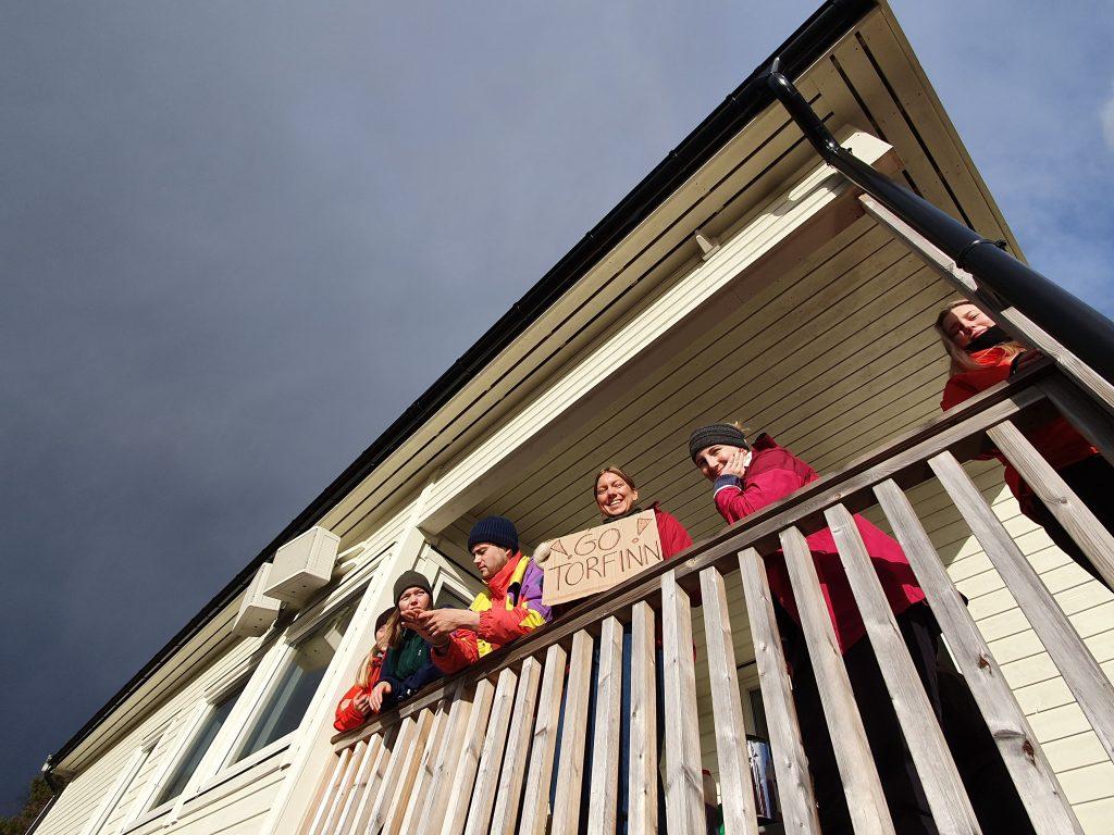 Skilt på balkongen TV-Aksjonen