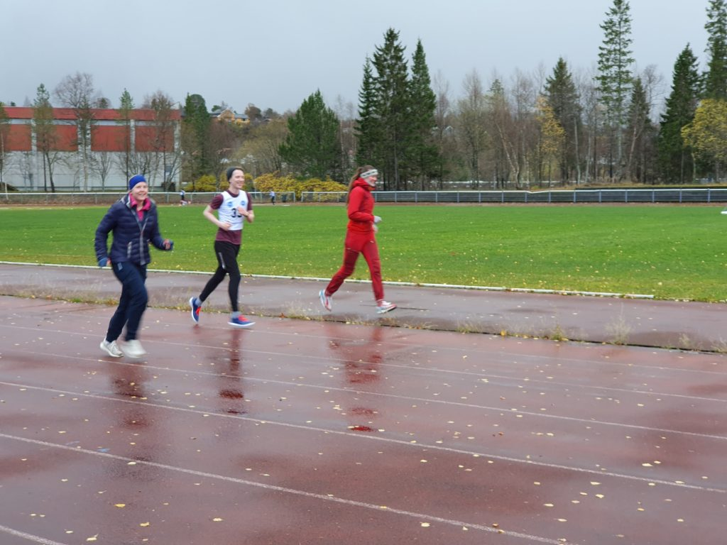 Elevene løper